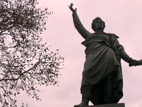 Petőfi Sándor szobra a Március 15-e téren