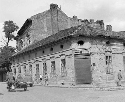 Kép: Fortepan, a Kacsa és Horvát utca sarka 1950-ben